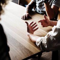 blur-brainstorming-chatting-1881333_klein